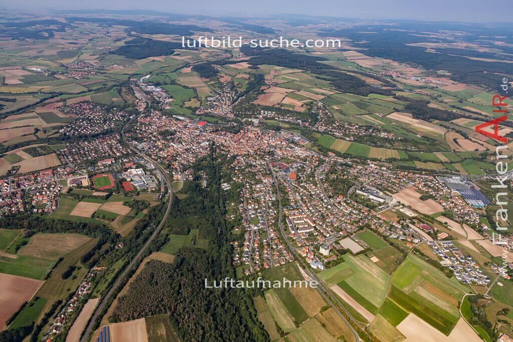 neustadt-aisch-19-308 | aktuelles Luftbild von  Neustadt-aisch - Luftaufnahme wurde 2019 von https://frankenair.de mittels Flugzeug (keine Drohne) erstellt.