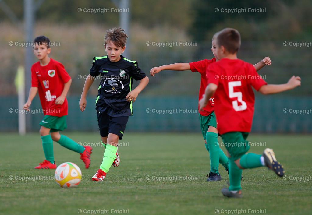 A_LUI27092021_25   SPORT,FUSSBALL, FC WELS_SC HOERSCHING U 9 27.09.2021 IM BILD: SCHWARZ (HOERSCHING) UND ROT (FC WELS )FOTO:FOTOLUI