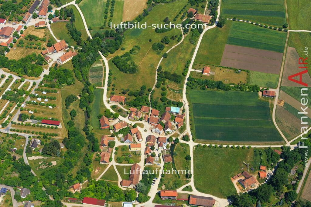 fraenkisches-freilandmuseum-bad-windsheim-2015-1404 | Luftbild von Fraenkisches-freilandmuseum Bad-windsheim - Luftaufnahme wurde 2015 von https://frankenair.de mittels Flugzeug (keine Drohne) erstellt - die Geschenkidee