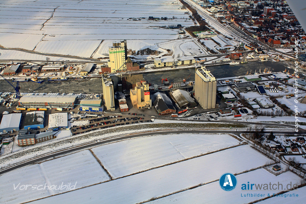 Luftbild Nordsee, Husum, Aussenhafen, ATR-Landhandel | Nordsee, Husum, Aussenhafen, ATR-Landhandel • max. 4272 x 2848 pix.
