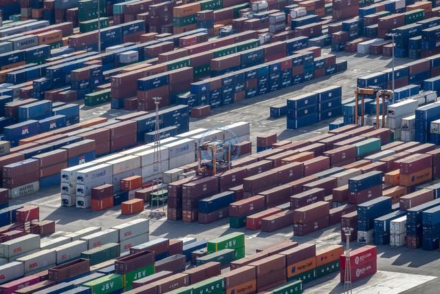 Hafen Barcelona Detail Containerbereich   ESP, Spanien, Barcelona, 17.12.2018, Hafen Barcelona Detail Containerbereich [2018 Jahr Christoph Hermann]
