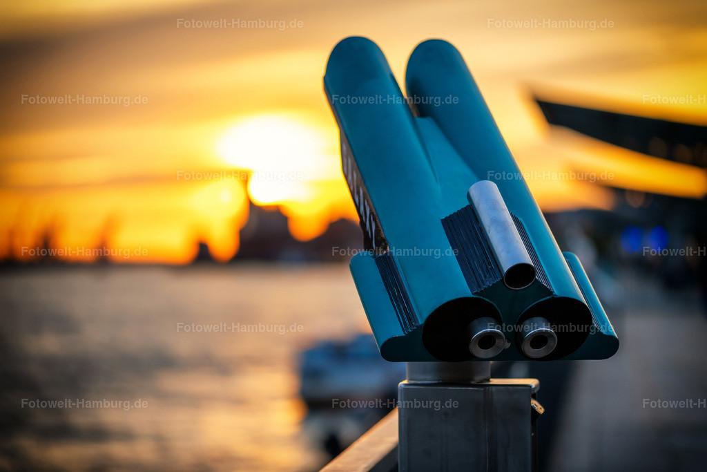 10201008 - Traumhafter Ausblick | Stimmungsvolle Aufnahme an den Landungsbrücken kurz vor Sonnenuntergang.