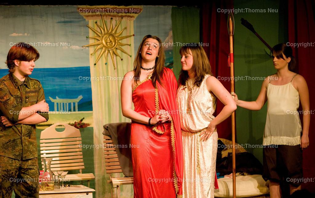 Bensheim_PiPaPo_Goethe Theater spielt _die Hochzeit des Achilles | 605