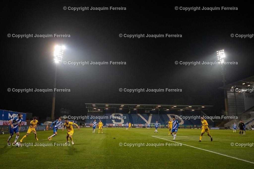 201127_svdvsbvt_0549   27.11.2020, xjfx, Fussball 2.BL SV Darmstadt 98 - Eintracht Braunschweig,  emspor, emonline, despor, v.l.,       (DFL/DFB REGULATIONS PROHIBIT ANY USE OF PHOTOGRAPHS as IMAGE SEQUENCES and/or QUASI-VIDEO)