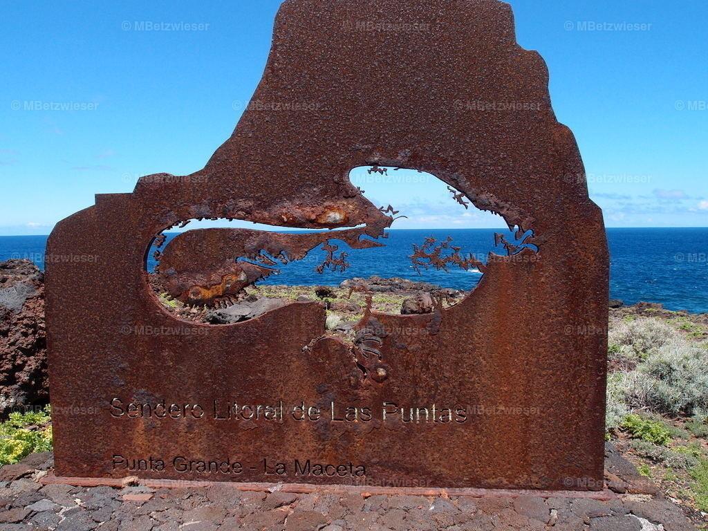 P5095787 | Rostige Hinweistafel im Golfo El Hierro