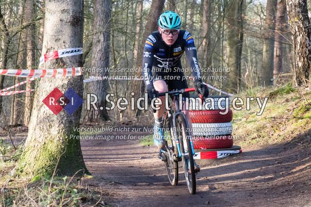 Radsport, Stevens Cyclocross Cup 2019, 10. Lauf (RSG Nordheide), Rennen 9 (Elite Herren + U23, Masters 2 / Elite Ü40 und Junioren U19), Buchholz i.d.N., 19.01.2020   Phillip Unterberger (RSV Eintracht 1949, #92, U19m)