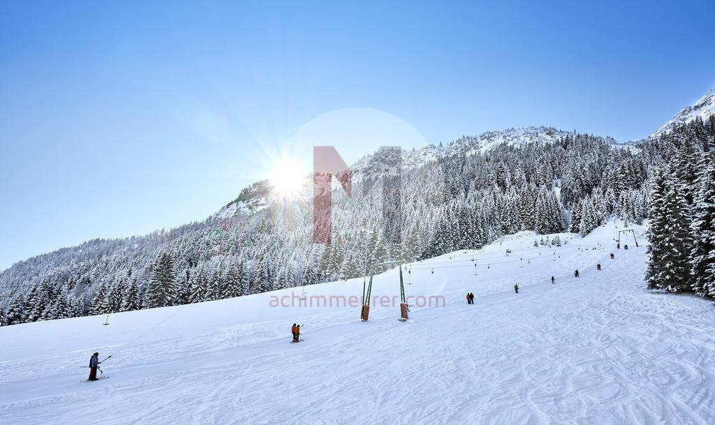 Skipiste Nesselwängle im WInter, Tannheimer Tal, Tirol, Österreich