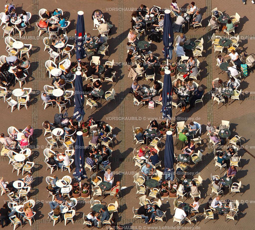 RE11046320 | Sommer, sonne, Kaffeetrinken auf dem Loehrhof,  Recklinghausen, Ruhrgebiet, Nordrhein-Westfalen, Germany, Europa