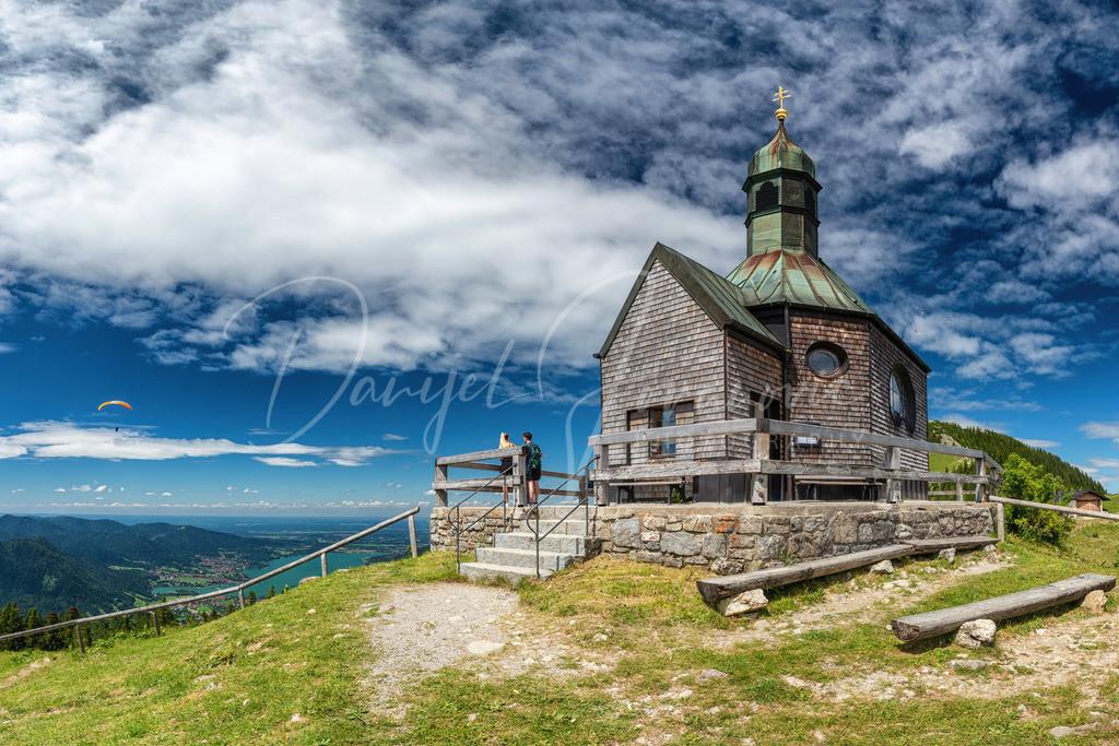 Wallberg Kapelle | Die schöne Kapelle am Wallberg. Links der Tegernsee