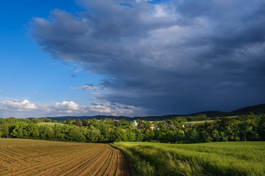 Gewitterwolken über Kirchdornberg | Aufziehendes Gewitter über Kirchdornberg.