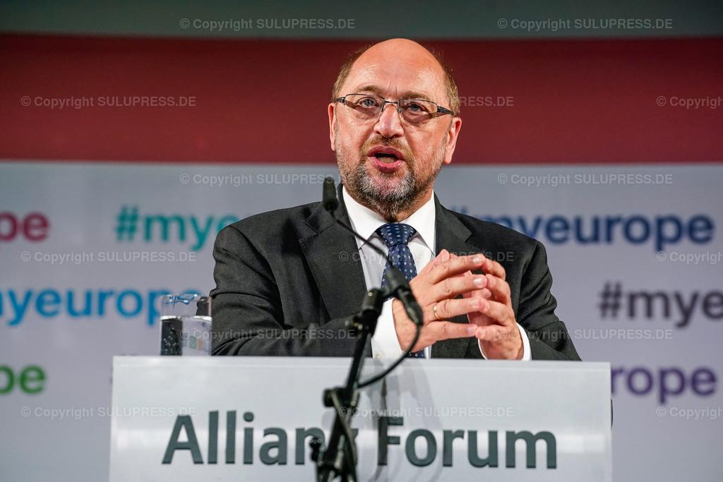 #myeurope Kampagnenstart mit Martin Schulz   09.05.2019, Martin Schulz beim #myeurope Kampagnenstart am Europatag, veranstaltet vom Tu was für Europa e.V. in Zusammenarbeit mit der Allianz Kulturstiftung im Allianz Forum am Pariser Platz in Berlin. Rede des Politikers am Rednerpult.