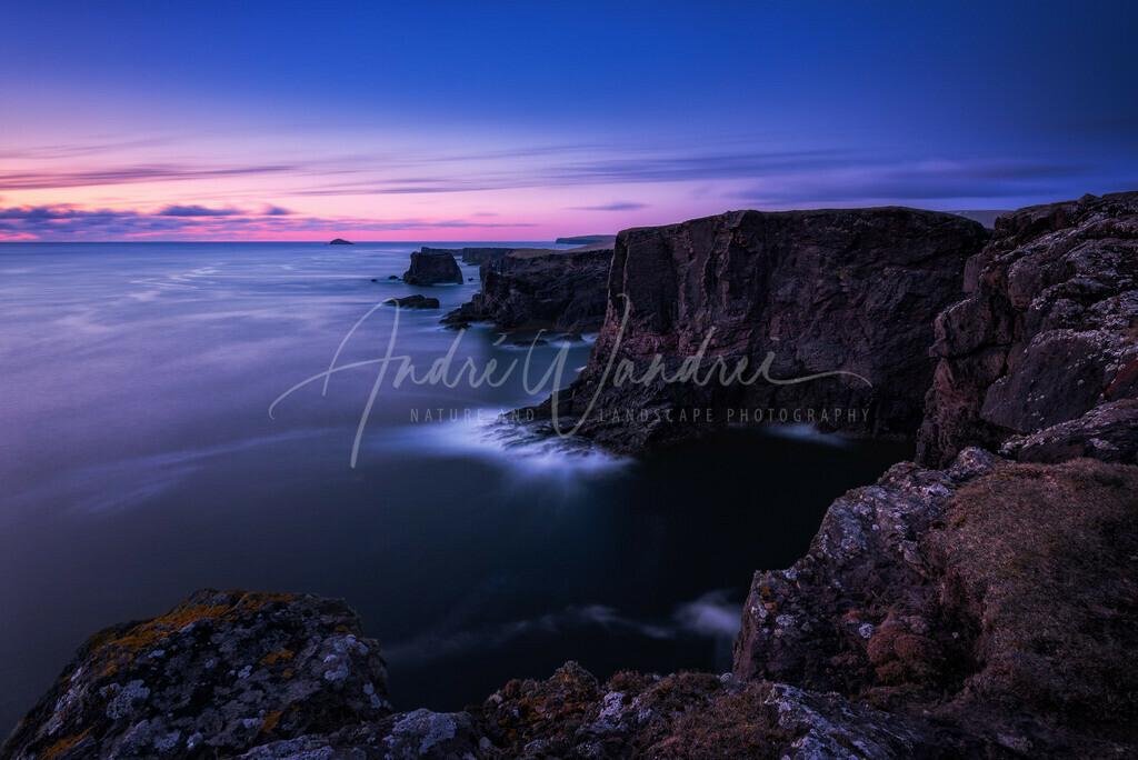 Blaue Stunde an der Shetland Küste