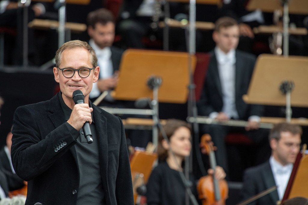 200 Jahre Konzerthaus Berlin - OpenAir | Michael Mueller eroeffnet das Jubilaeumskonzert am Gendarmenmarkt.