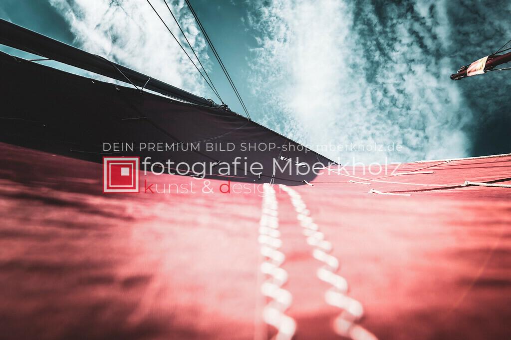 @Marko_Berkholz_mberkholz_MBE6863 | Die Bildergalerie Zeesenboot | Maritim | Segel des Warnemünder Fotografen Marko Berkholz zeigt maritime Aufnahmen historischer Segelschiffe, Details, Spiegelungen und Reflexionen.