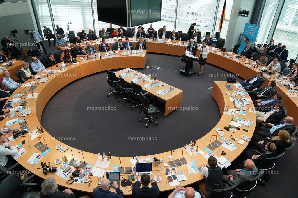 Medienkonferenz Bundestag Plenum Saal freie alternative Medien bei der AfD Fraktion am 10. Mai 2019 im Bundestag (5)