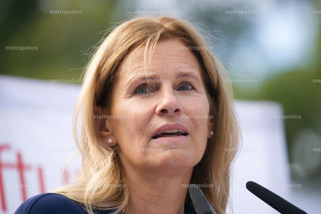 Katrin Müller-Hohenstein (7)