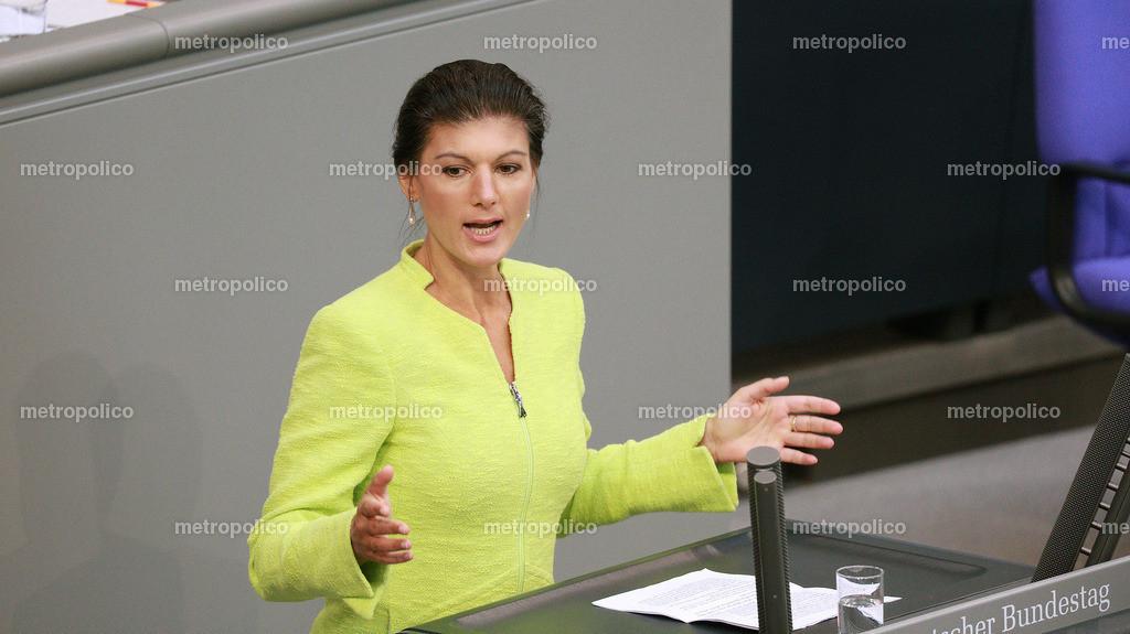 Sahra Wagenknecht spricht offensiv im Bundestag