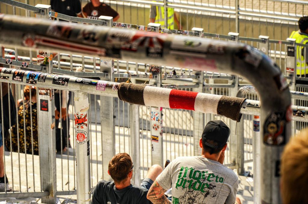 Sankt Pauli Millerntor | Nach dem Spiel auf der Gegengerade