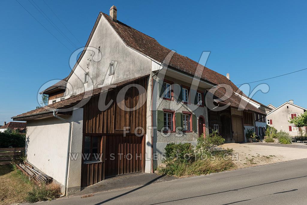 Häuserzeile, Rünenberg (BL) | Historische Häuserzeile im Mitteldorf, Rünenberg im Kanton Baselland.
