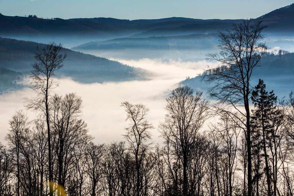 JT-131211-4229   Sauerland, Morgennebel im Tal bei Bestwig, Blick nach Eversberg,