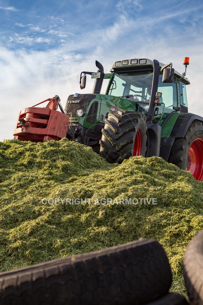 20150511-IMG_1604 | Gras silieren - AGRARMOTIVE Bilder aus der Landwirtschaft