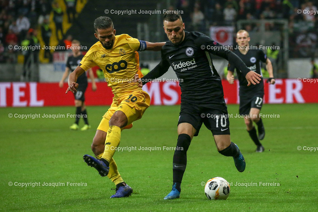 191024_sgevslie_0582 | 24.10.2019 Gruppenspiel Gruppe F UEFA Europa League Saison 2019/20 Eintracht Frankfurt - Standard Liege  emspor, emonline, despor, v.l., Mehdi Carcela (Standard Liege),Filip Kostic  (Eintracht Frankfurt),Zweikampf, Action, Aktion, Battles for the Ball  Foto: Joaquim Ferreira (DFL/DFB REGULATIONS PROHIBIT ANY USE OF PHOTOGRAPHS as IMAGE SEQUENCES and/or QUASI-VIDEO)