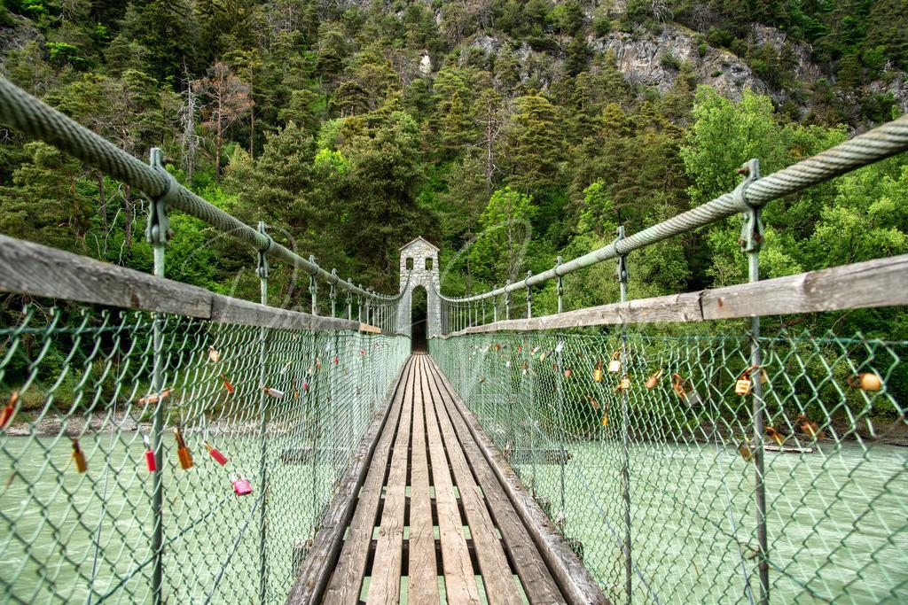 Hängebrücke | Die Stamser Hängebrücke über den Inn