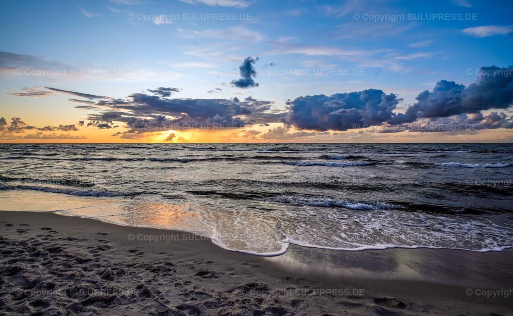 Abendstimmung auf dem Darß | 02.09.2019, eine schöne Abendstimmung bei Sonnenuntergang am Ostseestrand von Dierhagen auf Fischland-Darß-Zingst.