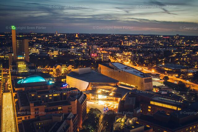 At night in Berlin | Long exposure of Berlin at availible light from Potsdamer Platz