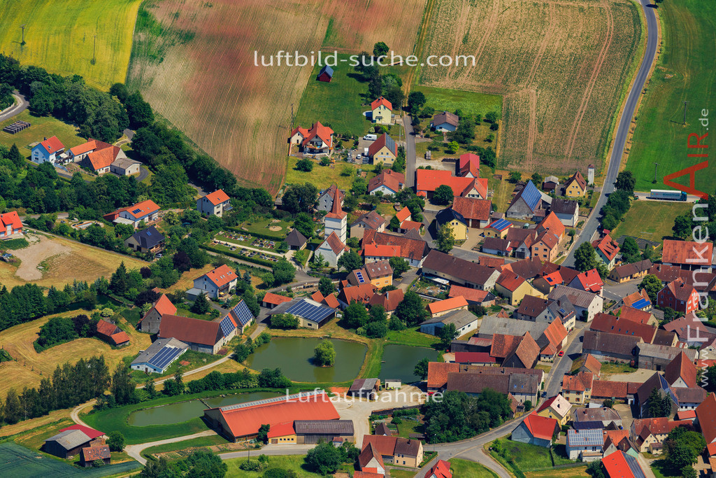altershausen-muechsteinach-2015-1414 | Luftbild von Altershausen Muechsteinach - Luftaufnahme wurde 2015 von https://frankenair.de mittels Flugzeug (keine Drohne) erstellt - die Geschenkidee