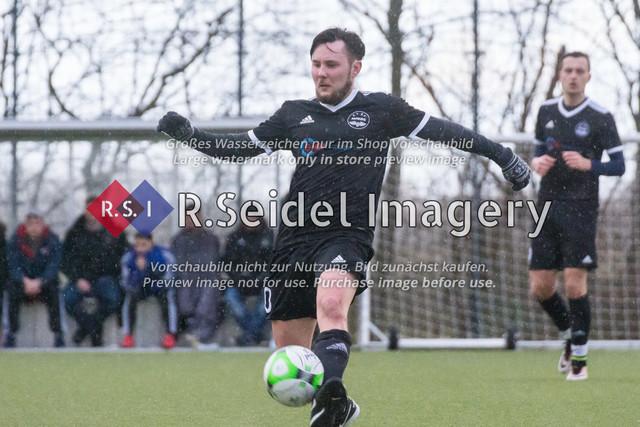 Fußball, Herren, Kreisliga 3, ETSV Hamburg II - SC Vier- und Marschlande III., Mittlerer Landweg, 01.03.2020 | Dennis Mann (#10, ETSV)