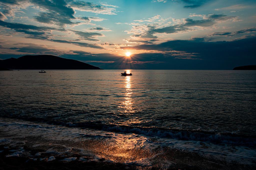 20190724-Greek sunset