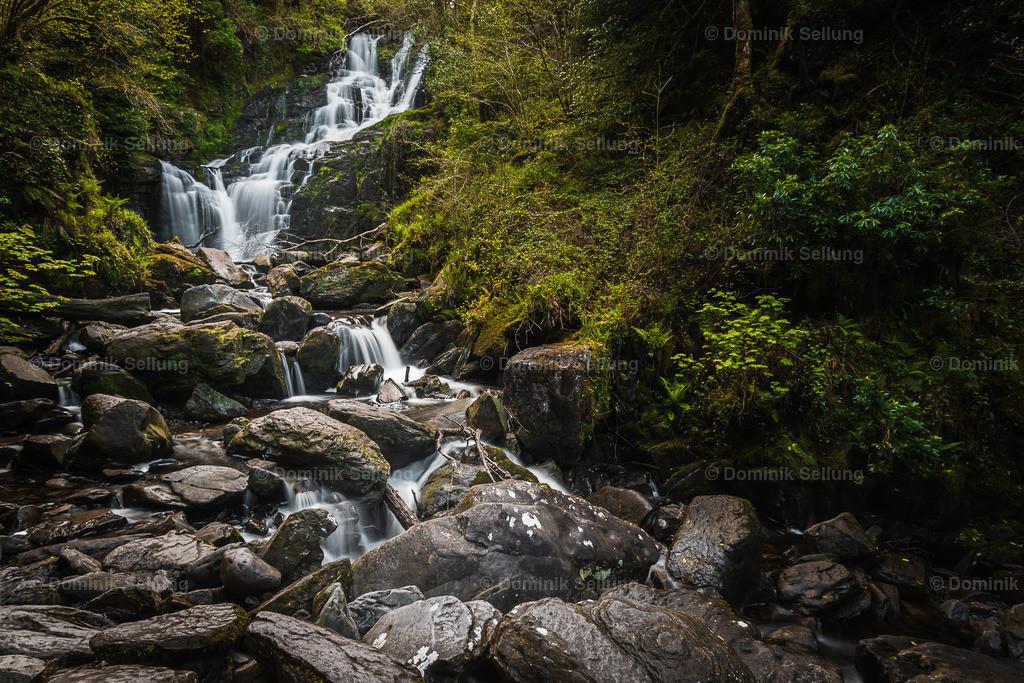 Gorey II | Wasserfall in der Landschaft