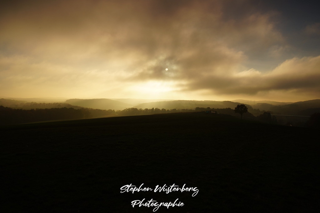 Sonne hinter Nebelwolken    Sonne hinter Nebelwolken bei Wartenberg-Rohrbach