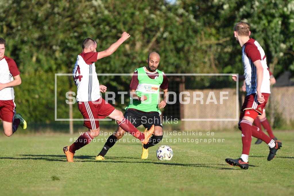 Fussball I Testspiel I SG Elbdeich - Harburger SC_00064 | Fussball I Testspiel I SG Elbdeich - Harburger SC I 21.07.2020 am 21.07.2020 in Fliegenberg  (Sportplatz), Deutschland.
