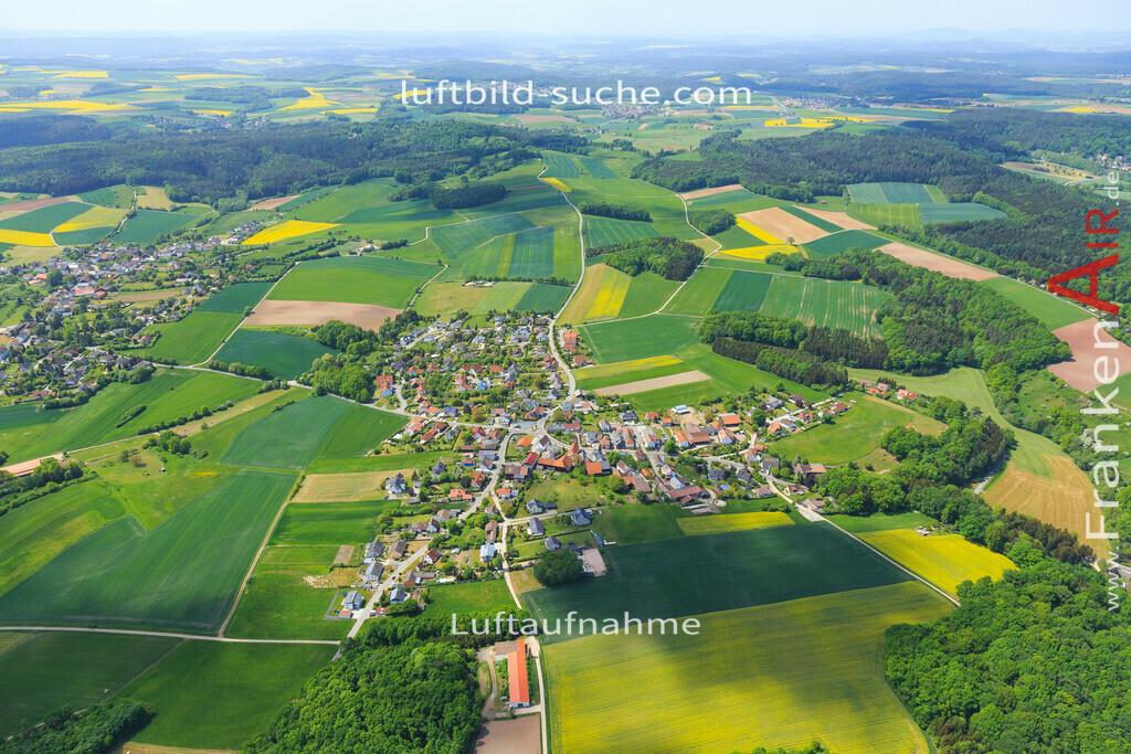 haarth-untersiemau-2015-3488   Luftbild von Haarth Untersiemau - Luftaufnahme wurde 2015 von https://frankenair.de mittels Flugzeug (keine Drohne) erstellt - die Geschenkidee
