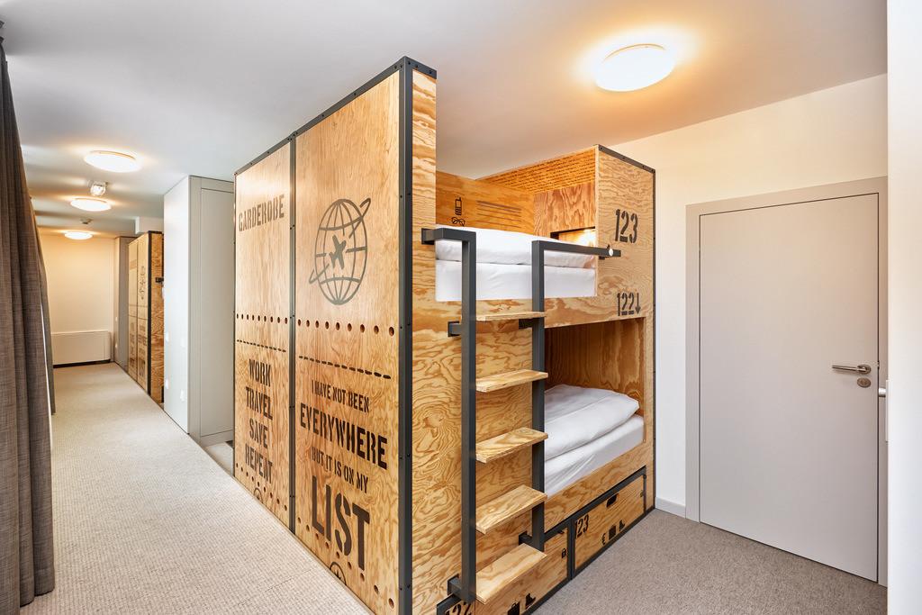 zimmer-zehnbettzimmer-01-hplus-hotel-wien