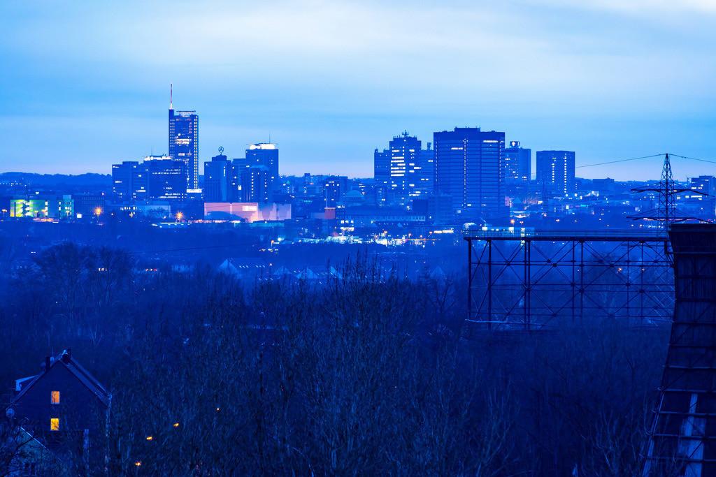 JT-181227-081 | Die Skyline von Essen,