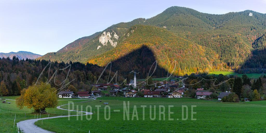 Herbst in den Voralpen | Ein goldener Herbsttag in den bayerischen Voralpen