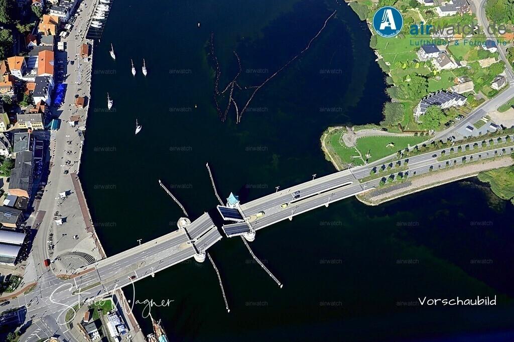 Luftbild Kappeln, Ostseefjord Schlei, Hafenstadt, Museumshafen, Schleibrücke | Luftbild Kappeln, Ostseefjord Schlei, Hafenstadt, Museumshafen, Schleibrücke • max. 6240 x 4160 pix