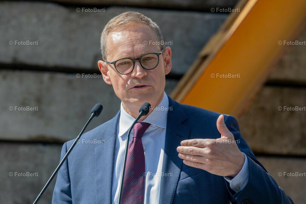 Grundsteinlegung der Forschungsgebäude Si-M & BeCat | Berlins reg. Bürgermeister Michael Müller