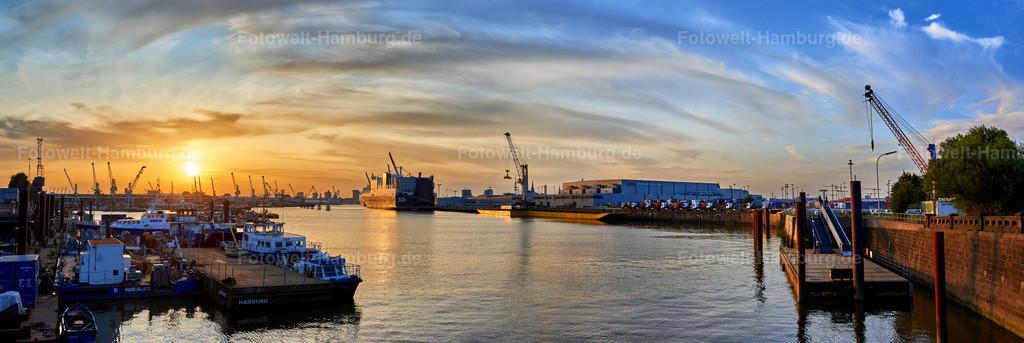 10200104 - Hamburger Hafen bei Sonnenuntergang | Blick über den Hansahafen bei Sonnenuntergang.