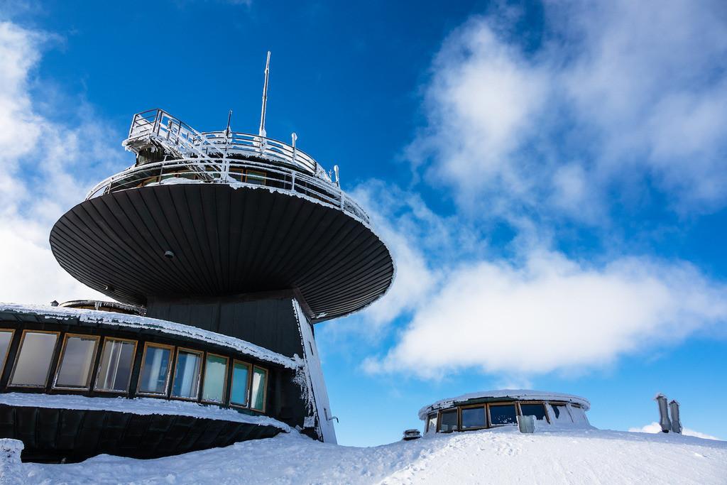 rk_04894 | Gebäude auf der Schneekoppe im Riesengebirge in Tschechien.