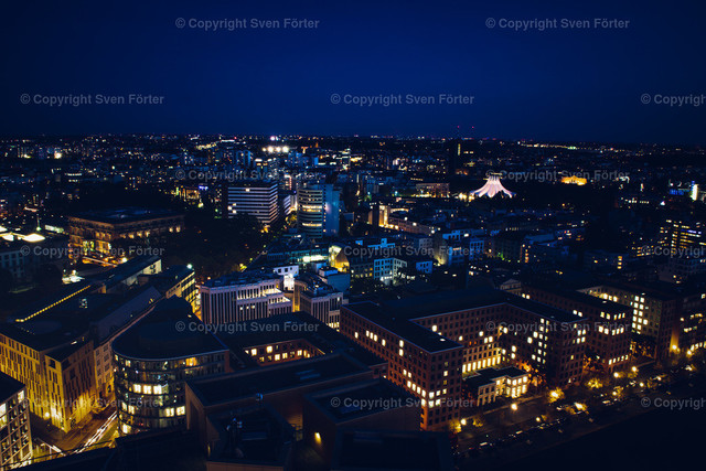 At night in Berlin | Long exposure of Berlin at availible light from Potsdamer Platz
