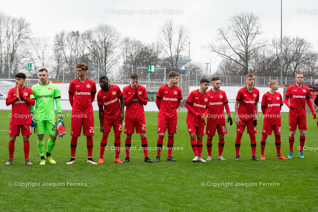191211_levvsjuvu19_0745   Leverkusen, 11.12.2019 UEFA Youth League Gruppe D Bayer 04 Leverkusen U19 - Juventus Turin emspor, v.l.,  Die Mannschaft von Bayer 04 Leverkusen U19, Ayman Azhil (Bayer 04 Leverkusen U19), Torwart Marcel Johnen (Bayer 04 Leverkusen U19), Marc Martin Lamti (Bayer 04 Leverkusen U19), ,Abdul Moursalim (Bayer 04 Leverkusen U19), Leon Gaedicke (Bayer 04 Leverkusen U19), Seymour Fuenger (Bayer 04 Leverkusen U19), Cem Tuna Tuerkmen (Bayer 04 Leverkusen U19), Adrian  Stannilewicz (Bayer 04 Leverkusen U19), Phil Kemper (Bayer 04 Leverkusen U19), Marco Ferdinand Wolf (Bayer 04 Leverkusen U19),Fabian Rueth (Bayer 04 Leverkusen U19)    (DFL/DFB REGULATIONS PROHIBIT ANY USE OF PHOTOGRAPHS as IMAGE SEQUENCES and/or QUASI-VIDEO)