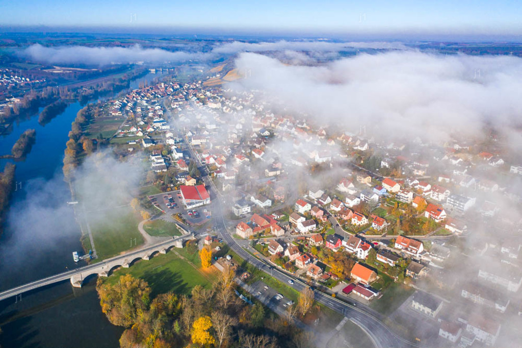 J1_DJI_0626_201105_Kleinochsenfurt