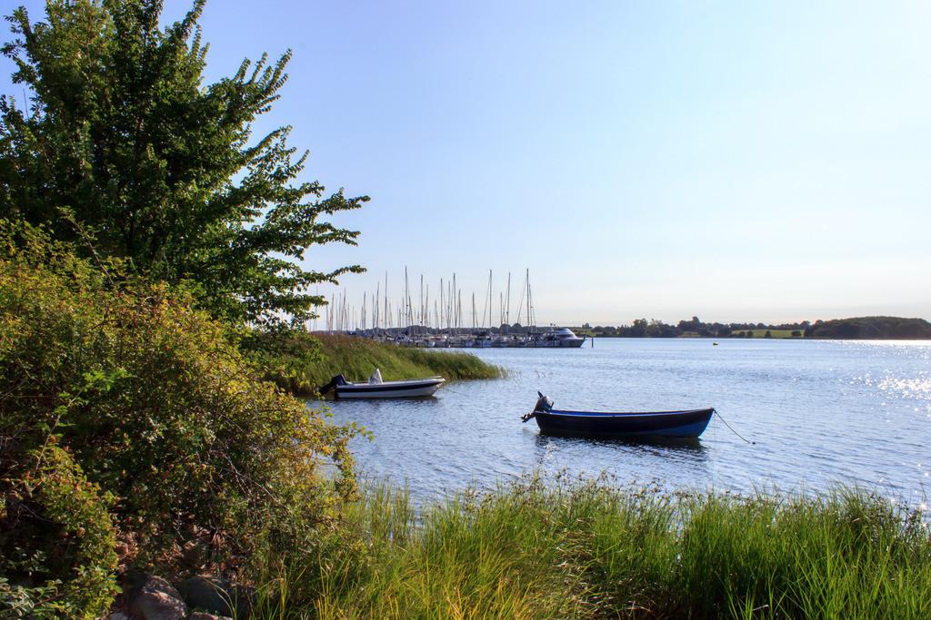 Lindaunis an der Schlei   Yachthafen in Lindaunis im Sommer