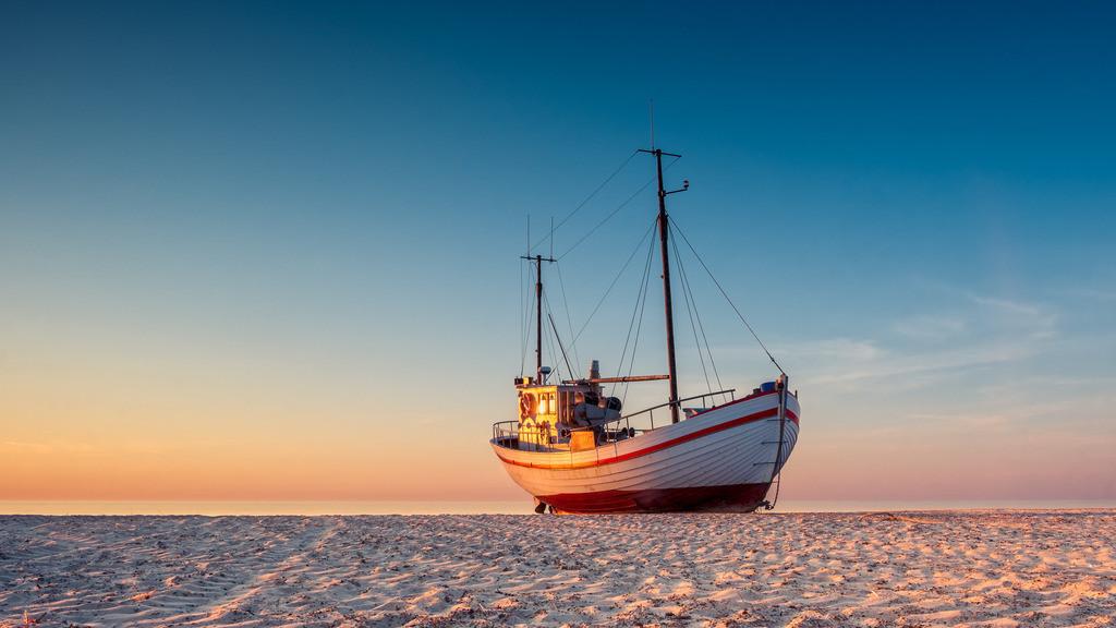 On a Sea of Sand | Fischerboote am Strand von Slettestrand in Nord-Jütland
