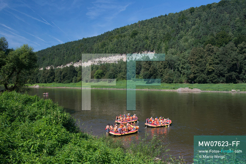 MW07623-FF | Deutschland | Sachsen | Sächsische Schweiz | Rafting auf der Elbe im Elbsandsteingebirge  ** Feindaten bitte anfragen bei Mario Weigt Photography, info@asia-stories.com **