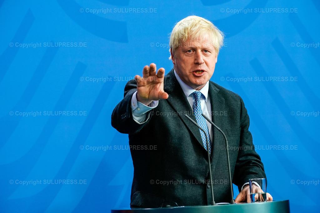 Boris Johnson in Berlin   21.08.2019, der Premierminister des Vereinigten Königreichs, Boris Johnson von der Conservative and Unionist Party zu Besuch im Kanzleramt in Berlin. Der britische Politiker war gekommen, um mit der Kanzlerin über den Brexit zu verhandeln. Rede bei der gemeinsamen Pressekonferenz am Rednerpult.